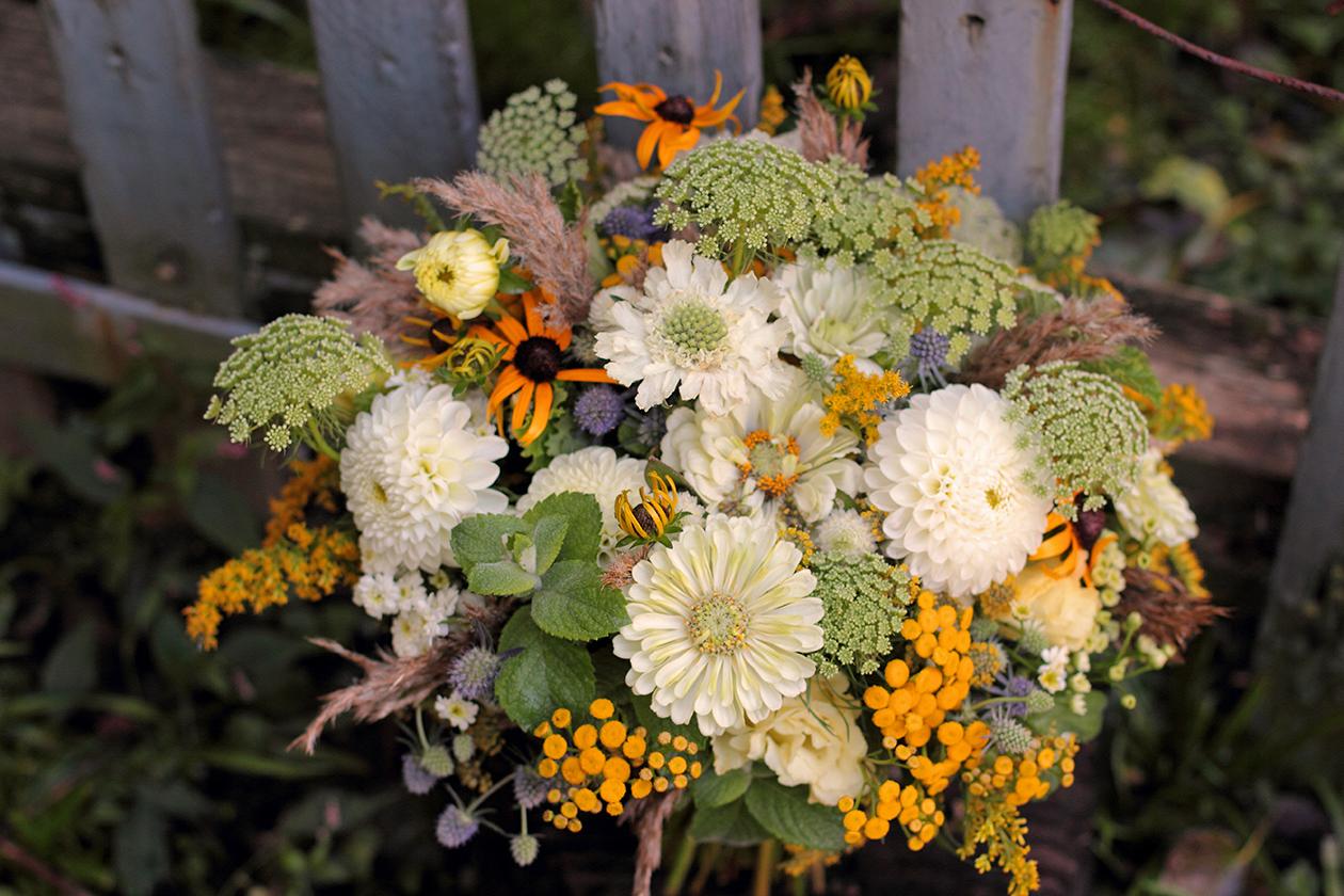 Autumn Love n Fresh Flowers