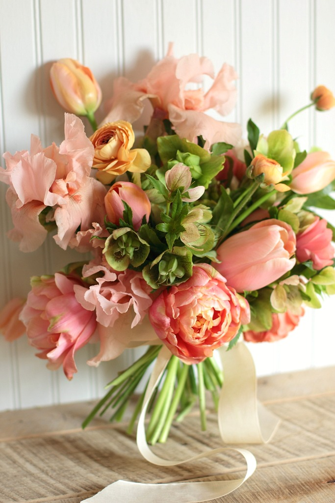 21 Fresh Cut Spring Flower Arrangements and Bouquets | Mom Spark ...