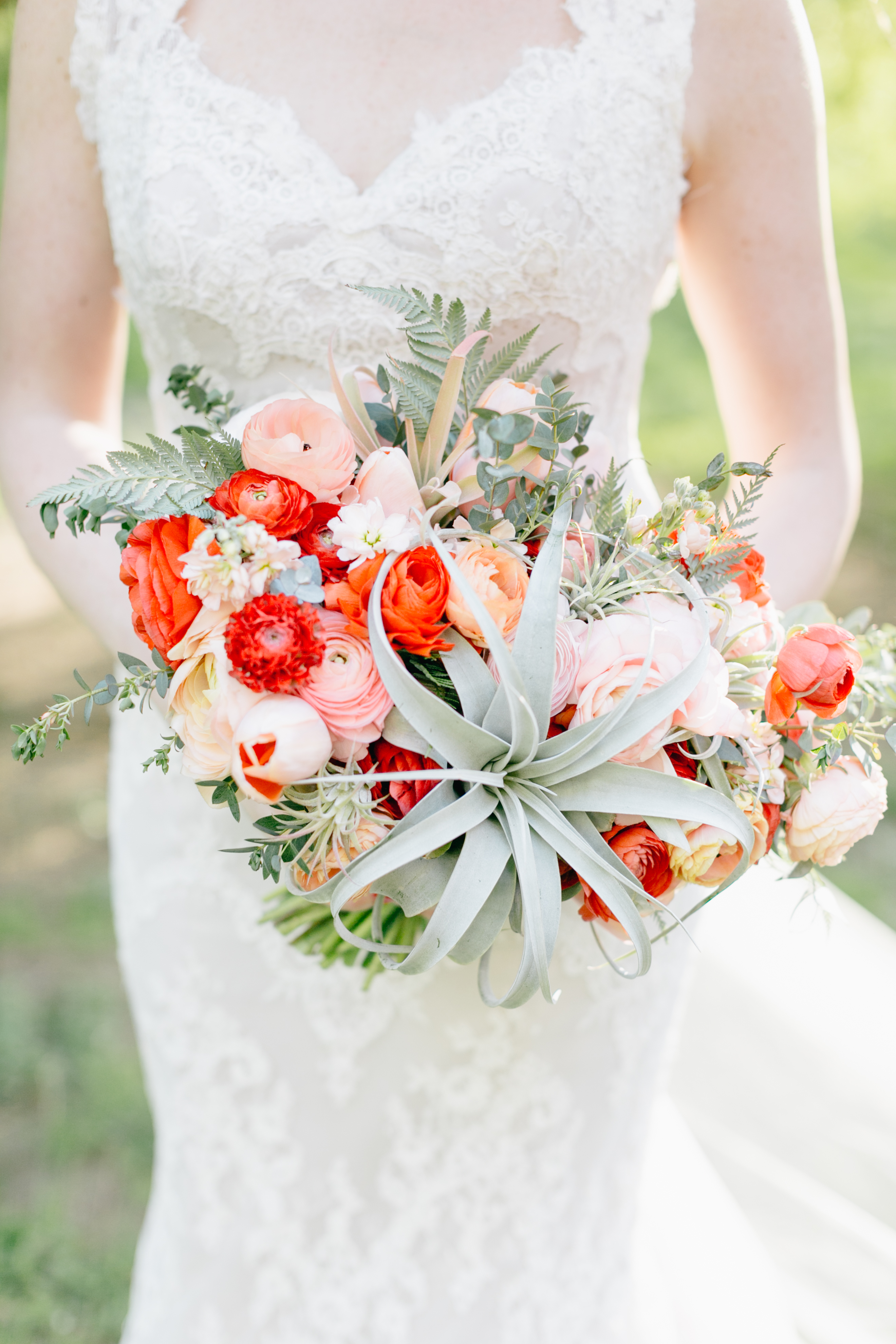 Love 'n Fresh Flowers bridal bouquet