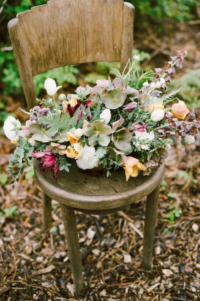 如何收获黑黎芦,使它们不会在花瓶中枯萎|| 费城花卉农场Love'n Fresh Flowers的花卉设计和技巧。 || 玛丽亚·麦克摄影摄影